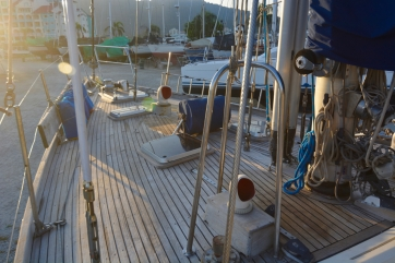 Port granny rail and foredeck